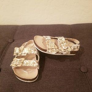 Michael Kors GIRLS Ethels Cosmos Gold/White Sandal